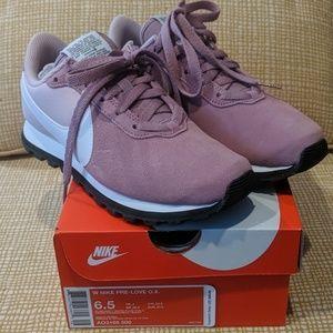 Nike Pre-Love O.X., women's size 6.5